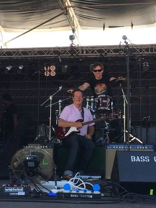 Founding guitarist Ian McCredie and drummer Stephan Ebn are always ready to rock. Especially in a very sunny Zürich, Switzerland 😍