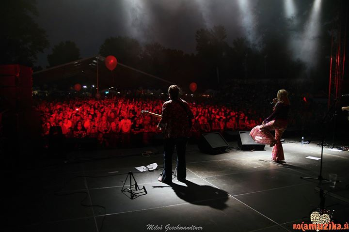 View from the stage of the lovely people of Piestany. A really cool shot from photographer Milos Geschwandtner - foto 😍📷