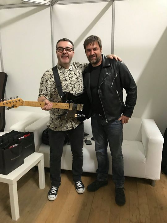 Showtime. Stuart McCredie with audio wizard Harry Berndsen from ShowPAConcert Production. More exclusive pics at www.motrband.com 🤩