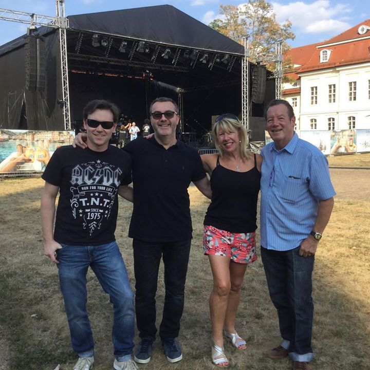 Happy Friday and thanks for the love last weekend people of Wermsdorf. See you again in the #summer. Lorna Osborne, Ian McCredie, Stuart McCredie, Stephan Ebn. 🐥