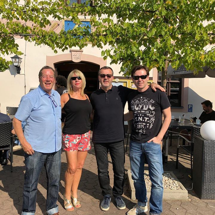 Sun is out. We're back in the summer of 17 in Germany this throwback Thursday with Lorna Osborne, Ian McCredie, Stuart McCredie and Stephan Ebn soaking up the rays. 🐥